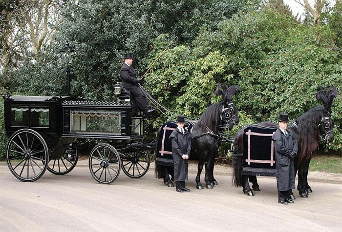 Funeral Transport - Shillibeer